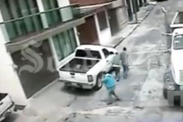 Reportan estable a empleado baleado