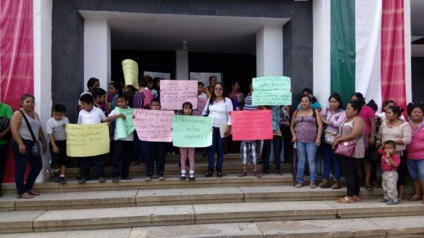 Exigen paterfamilias revisión de escuelas dañadas por sismos