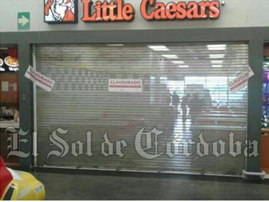 Por no expedir facturas clausura el SAT a Little Caesars Pizza