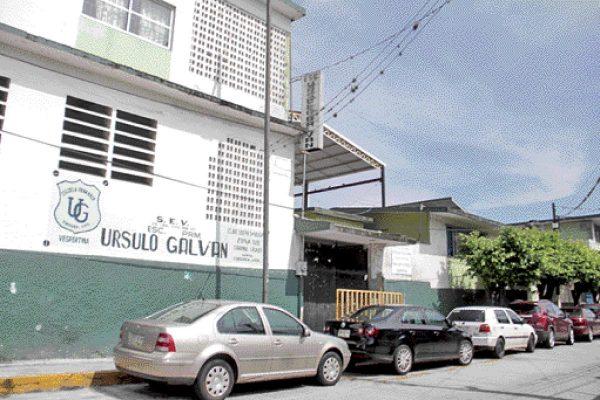 Suspenden clases en 10 escuelas a causa de sismos