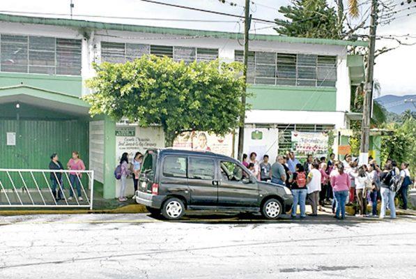 Domo dañado por sismo, un riesgo para estudiantes