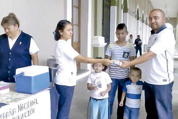 Inicia campaña de vacunación en los Centros de Salud