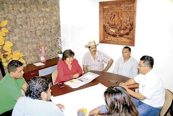 Acuerda SCT construcción de la carretera a Tezonapa