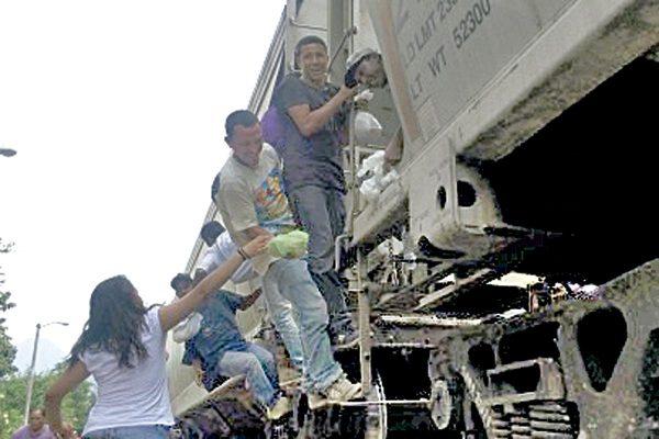 Mexicanos se hacen pasar por centroamericanos para robar