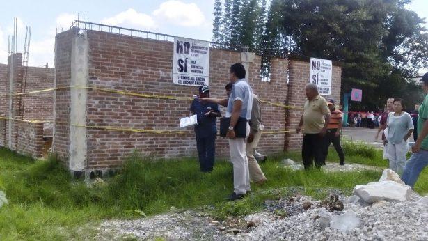 En acalorada reunión vecinos del Rincón del Bosque se oponen a construcción de Jefatura del Sector 11