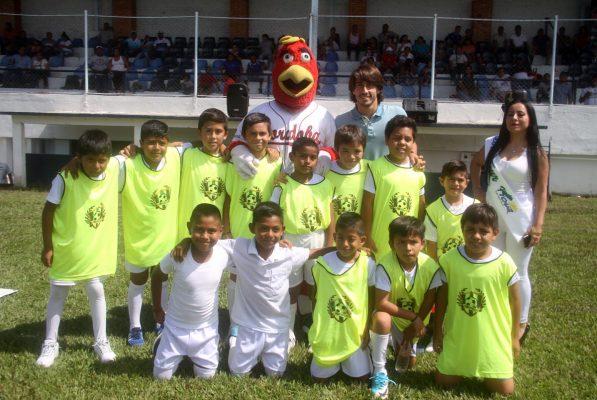El futbol es un juego, hay que divertirse: José Javier