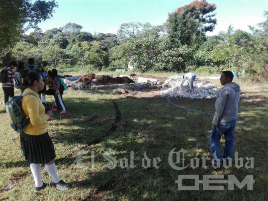 Protestan alumnos del plantel 56 del COBAEV Fortín por no tener una escuela digna