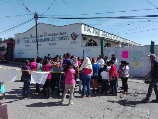 """Exigen paterfamilias que Espacios Educativos supervise las primarias """"Gral. Cándido Aguilar"""" y """"Antonio Ruiz Galindo"""""""