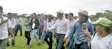 Arranca rehabilitación de caminos de Acatlán de Pérez