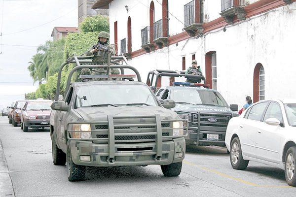 Sedena revisa armamento de policías