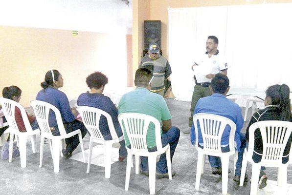 Imparten pláticas de prevención del delito