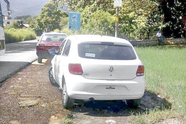 Golpean agentes viales a líder taxista de Macuiltépetl