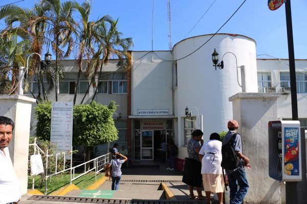 Trabajadores del Hospital Yanga se dicen acosados por la administradora