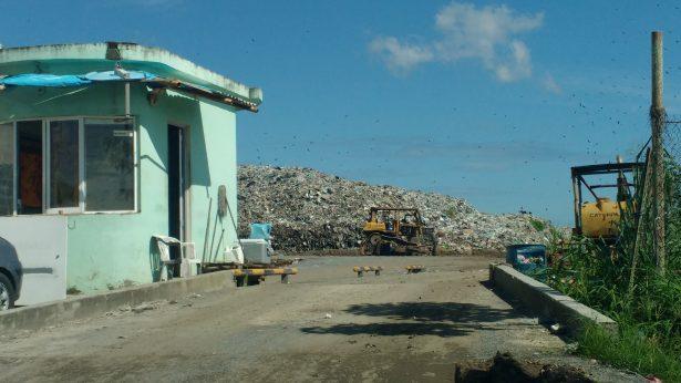 Continúa búsqueda del empleado muerto en basurero de Cuitláhuac