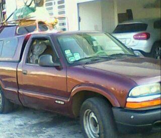 Roban camioneta en colonia Bugambilias, de Fortín
