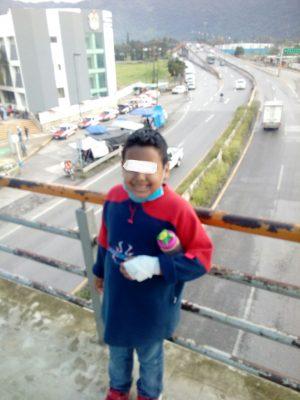Piden ayuda para niño con leucemia