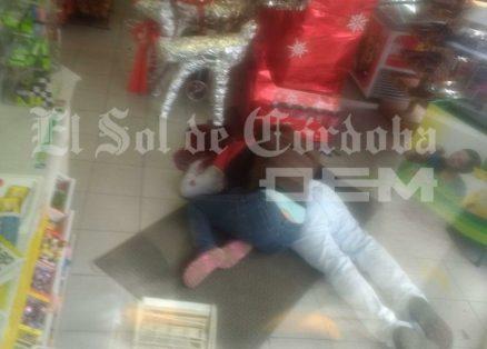 Asesinan a hombre en tienda de autoservicio, en Fortín