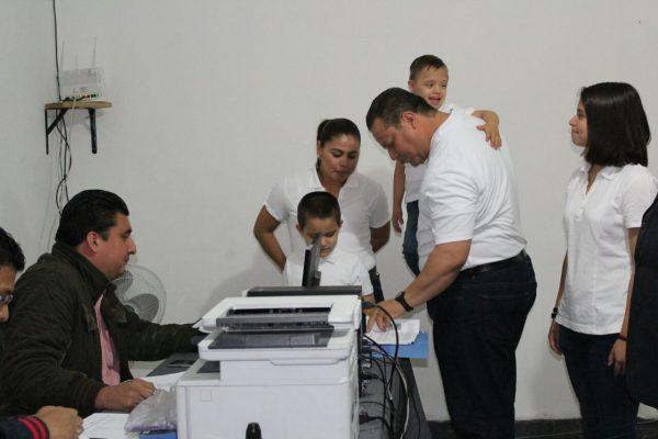 Se registra el aspirante a candidato independiente por la diputación local