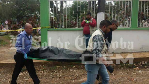 Muere entre las tumbas del panteón municipal