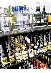 Alcohol adulterado, el enemigo de los jóvenes