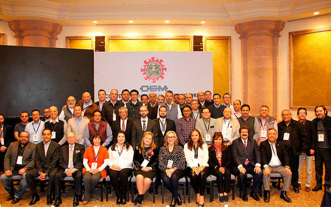Directores de los periódicos que conforman Organización Editorial Mexicana. FOTO: JUAN JOSÉ GONZÁLEZ