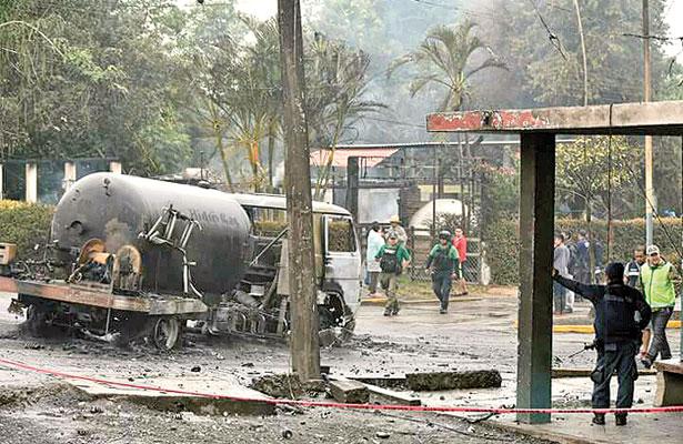 9 heridos y 7 casas dañadas tras explosión de pipa de gas