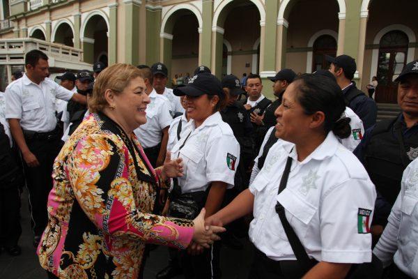 Dignificaremos a la policía municipal: Lety López