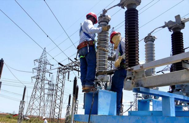 Irracional, alza de energía eléctrica