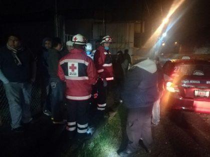 Mujeres asaltan a taxista y lo hieren con arma de fuego