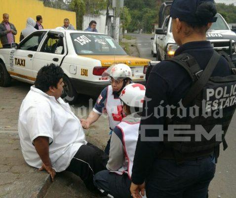 Lesionan a taxista para robarle la unidad