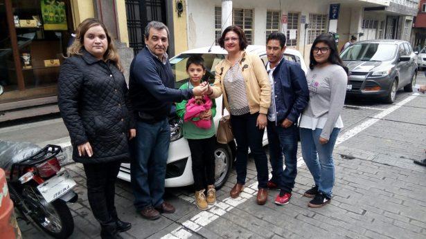 Entrega CANACO dos autos del Sorteo 29
