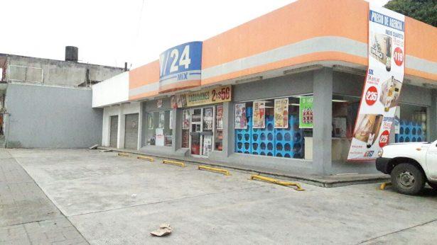 Asaltan tienda de conveniencia en La Estrellita