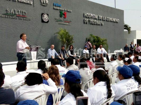Anuncia gobernador millonaria inversión en carretera de Tezonapa