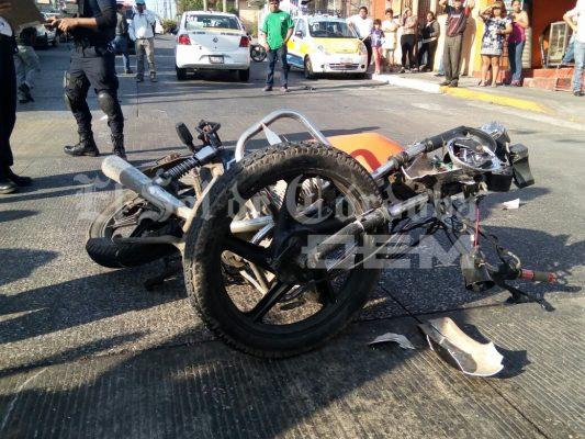 Dos motociclistas lesionados en San Román