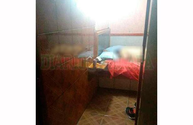 Lo encuentran muerto en habitación de motel