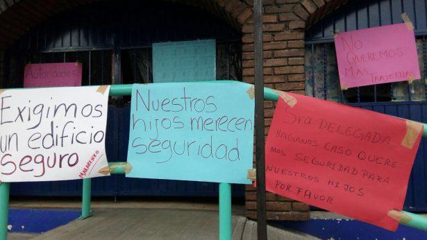 """Padres de """"Anton S. Makarenko"""" exigen plantel seguro para sus hijos"""