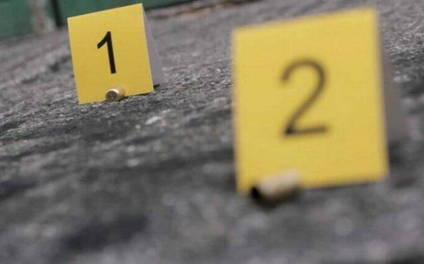 Rafaguean con 35 disparos auto de empleado municipal