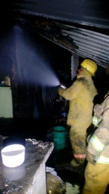 Se incendia casa en Palmillas