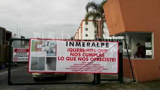 En Rincón de San Marcial exigen a constructora cumplir contrato
