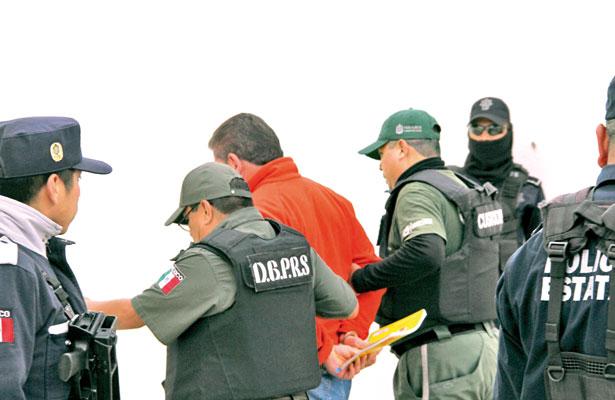"""""""Perdón"""" a expolicías que incriminaron; Fiscalía les otorga beneficio"""