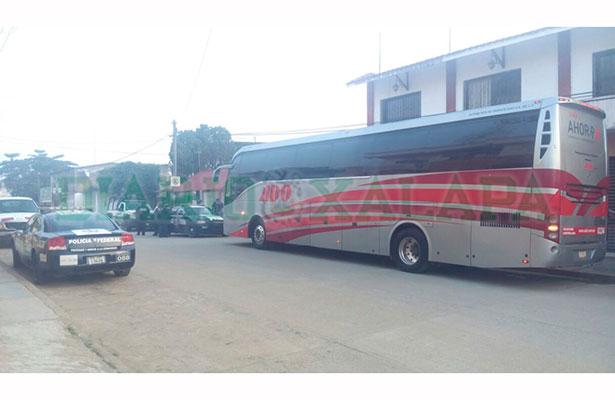Autobús ADO es asaltado por solitario delincuente
