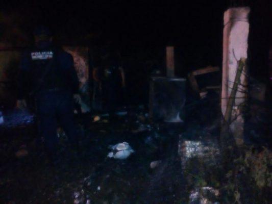 Incendio de casa dejó en la miseria a una familia