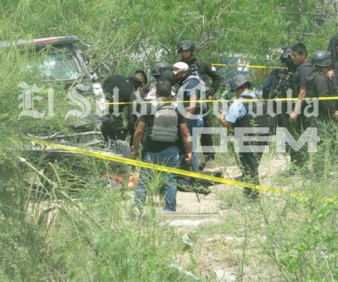 Civiles Armados Lanzan Granadas a Policías