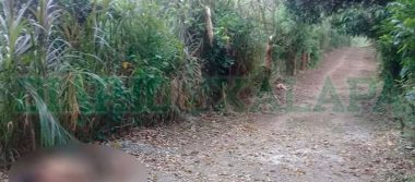 Tiran cuerpos de dos mujeres en camino de terracería