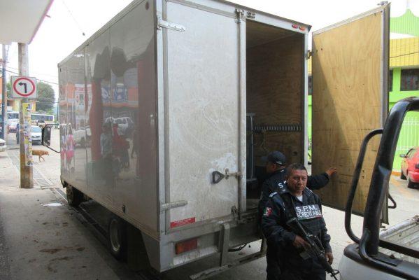Aseguran SSPM camioneta de huachicoleros