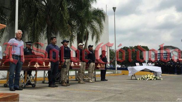 Rinden homenaje a policías caídos en cumplimiento de su deber