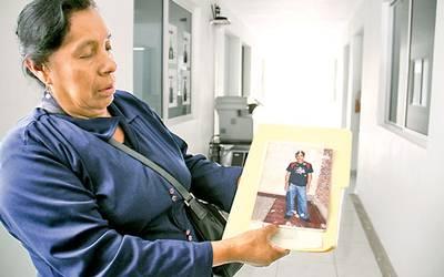 Salió a trabajar y no regresó… lleva 10 años buscando a su hijo