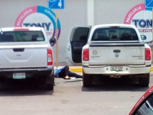 Ejecutan a una mujer tras balacera; un hombre resulto gravemente herido