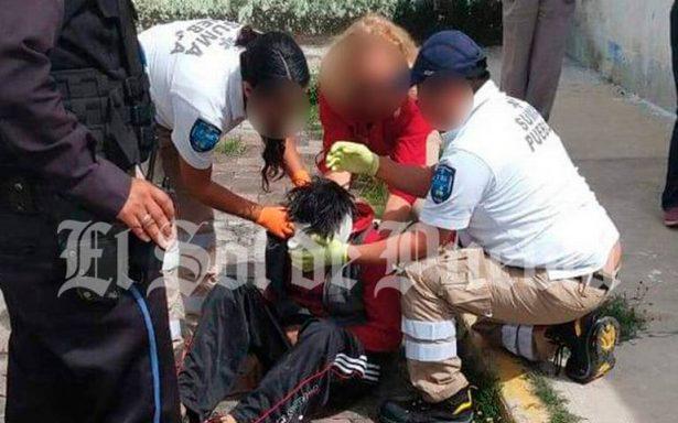 Cae de la azotea de una vivienda sujeto acusado de robar tubería de cobre