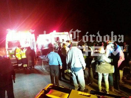 Vuelca autobús en la autopista; 1 muerto y 33 heridos